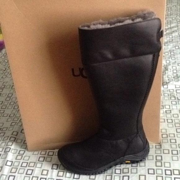 1f37045ff41 UGG Australia W Miko Women Boots New